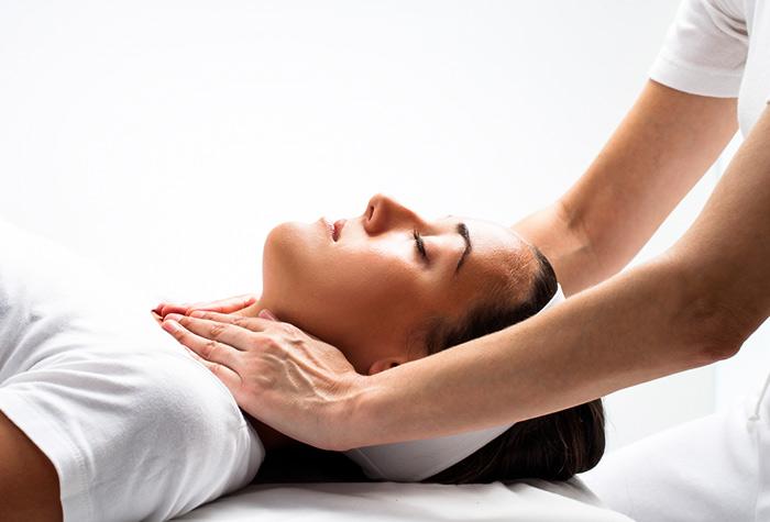 Soulager les migraines et les céphalées grâce aux soins prodigués par votre ostéopathe à Clermont-Ferrand